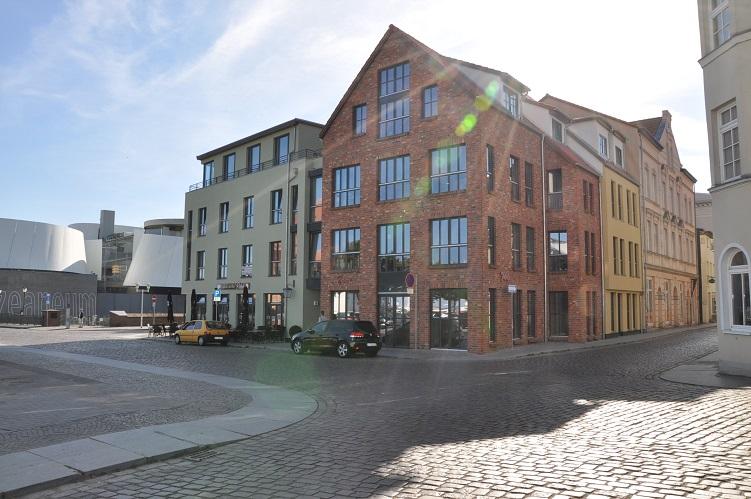 traumhafte Gewerbe- / Büro- oder Praxisräume am Stralsunder Hafen zu vermieten