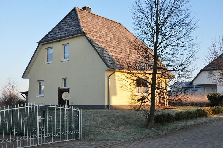 freistehendes Einfamilienhaus mit Grundstück, Garage und Carport in Gustow zu verkaufen