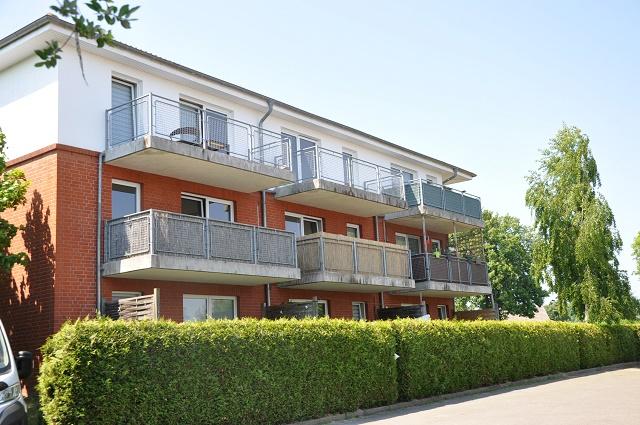 gut geschnittene 2-Zimmer-Whg., Balkon, PKW-Stellplatz, Parow